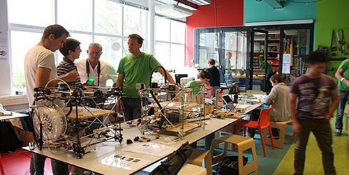 FabLab Un Fab-lab pédagogique à la CCI PORTE DE NORMANDIE
