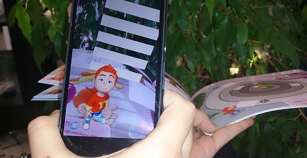 23-10-17Article_LivreRealiteAugmentee_Image01 DE LA 3D DANS LE LIVRE EN RÉALITÉ AUGMENTÉE